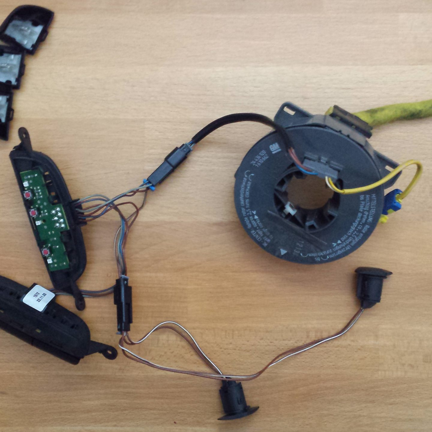 Project : Steering wheel audio controls – Reverse engineering